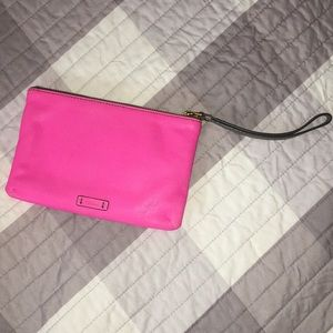 💕 Fossil leather wristlet